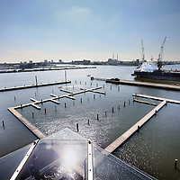Nederland, Amsterdam , 26 juni 2012..Het nieuwe havengebied bij het NDSM terrein in Amsterdam Noord waar de botenbeurs Hiswa wordt gerealiseerd....Foto:Jean-Pierre Jans