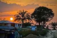 Picture by Chris Watt.  07887 554 193. <br /> <br /> Gerard Butler in Liberia