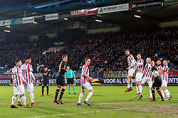 Alireza Jahanbakhsh of AZ takes a free kick during the Dutch Eredivisie match between Willem II Tilburg and AZ Alkmaar at Koning Willem II stadium on January 28, 2018 in Tilburg, The Netherlands