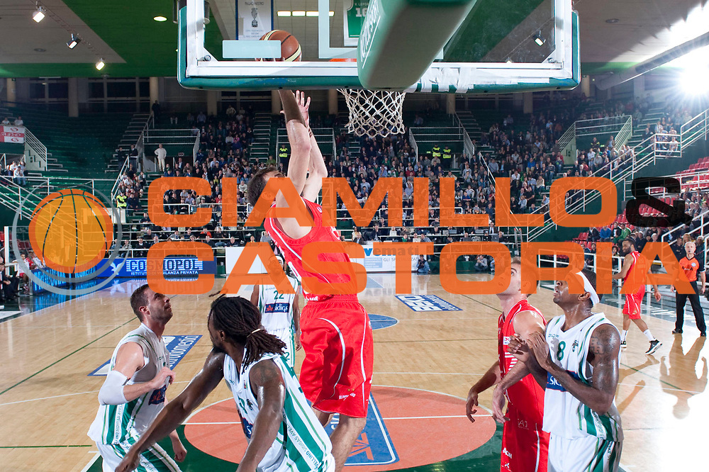 DESCRIZIONE : Avellino Lega A 2012-13 Sidigas Avellino EA7 Emporio Armani Milano<br /> GIOCATORE : Antonis Fotsis<br /> SQUADRA : EA7 Emporio Armani Milano<br /> EVENTO : Campionato Lega A 2012-2013<br /> GARA : Sidigas Avellino EA7 Emporio Armani Milano<br /> DATA : 15/10/2012<br /> CATEGORIA : Appoggio a canestro<br /> SPORT : Pallacanestro<br /> AUTORE : Agenzia Ciamillo-Castoria/G.Buco<br /> Galleria : Lega Basket A 2012-2013<br /> Fotonotizia : Avellino Lega A 2012-13 Sidigas Avellino EA7 Emporio Armani Milano<br /> Predefinita :