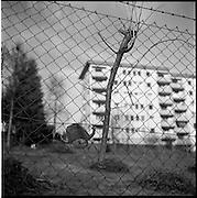 L'éspace publique réglementé et structuré. People in public places. Daily life, street photography, photographie de rue. L'individu est publique! © Romano P. Riedo