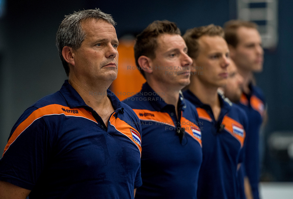 28-08-2016 NED: Nederland - Slowakije, Nieuwegein<br /> Het Nederlands team heeft de oefencampagne tegen Slowakije met een derde overwinning op rij afgesloten. In een uitverkocht Sportcomplex Merwestein won Nederland met 3-0 van Slowakije / Coach Gido Vermeulen