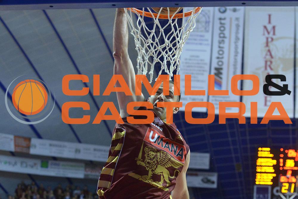 DESCRIZIONE : Venezia Lega A 2012-13 Umana Venezia Angelico Biella<br /> GIOCATORE : szymon szewczyk<br /> CATEGORIA : schiacciata<br /> SQUADRA : Umana Venezia Angelico Biella<br /> EVENTO : Campionato Lega A 2012-2013 <br /> GARA : Umana Venezia Angelico Biella<br /> DATA : 24/03/2013<br /> SPORT : Pallacanestro <br /> AUTORE : Agenzia Ciamillo-Castoria/M.Gregolin<br /> Galleria : Lega Basket A 2012-2013  <br /> Fotonotizia : Venezia Lega A 2012-13 Umana Venezia Angelico Biella<br /> Predefinita :