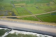 Nederland, Noord-Holland, Camperduin, 14-07-2008; Hondsbossche zeewering met achterliggende polders; de dijk is aangelegd als zeewering nadat de oorsrponkelijke duinen weggeslagen waren;.storm, Noordzee, Hondsbosse, duin, dijklichaam, zand suppletie, zeespiegelstijging, zwakke schakel, kust, duin, strand, kustonderhoud, gevaar, bescherming, kustverdediging. .luchtfoto (toeslag); aerial photo (additional fee required); .foto Siebe Swart / photo Siebe Swart