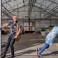 Nederland, Utrecht, 24 mei 2017.<br />Jeroen Blokland en Moyra Haaxma, oprichters van Buurt Mobiel.<br />Wij brengen vervoer en kennis van de voorzieningen in de wijk samen in de dienst Buurt Mobiel. <br /> <br /> Buurt Mobiel biedt elektrisch vervoer in Utrecht. Dit is duurzaam, plezierig, comfortabel en veilig over korte afstanden. Vrijwilligers besturen de voertuigen en halen mensen thuis op, brengen hen weg of stoppen onderweg om iemand in te laten stappen. Er zijn geen haltes of vaste opstappunten. Even Buurt Mobiel bellen en u heeft flexibel vervoer dat altijd in de buurt is. Onze chauffeurs zijn de ambassadeurs van de wijk. Het doel is dat bewoners en bezoekers van de wijk beter gebruik kunnen maken van al het moois dat er al is en dat vervoer minder een belemmering hoeft te zijn om erop uit te trekken.<br /><br /><br />Foto: Jean-Pierre Jans