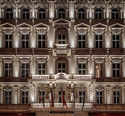 THEMENBILD - Aussenansicht des Hotel Sacher Wien bei Nacht, aufgenommen am 03. Juli 2017, Wien, Österreich // Exterior view of the Hotel Sacher Vienna at night, Vienna, Austria on 2017/07/03. EXPA Pictures © 2017, PhotoCredit: EXPA/ JFK