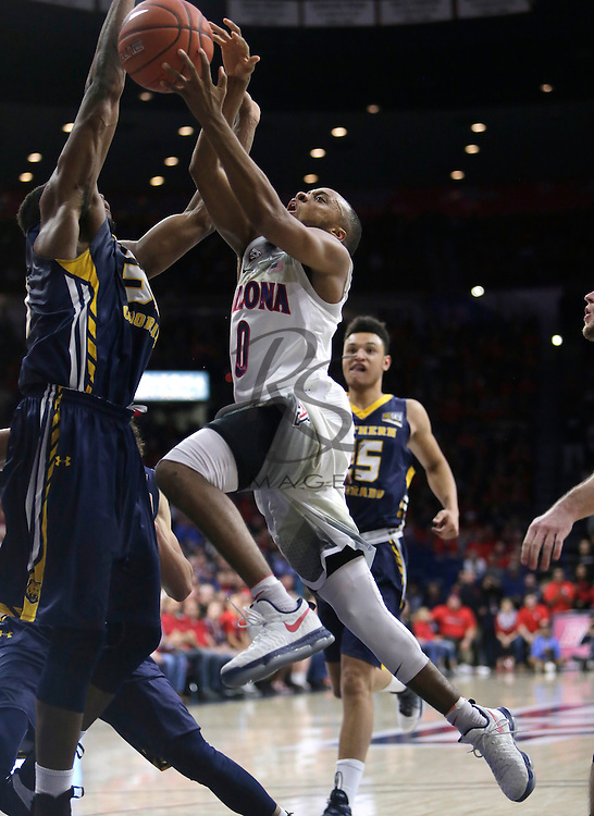 Arizona guard Parker Jackson-Cartwright (0) during the second half of an NCAA college basketball game against Northern Colorado, Monday, Nov. 21, 2016, in Tucson, Ariz. Arizona defeated Northern Colorado 71-55. (AP Photo/Rick Scuteri)