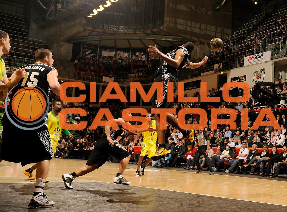 DESCRIZIONE : Ligue France Pro A Semaine des As Vichy Orleans Demi Finale<br /> GIOCATORE : Nichols Austin<br /> SQUADRA : Orleans Vichy<br /> EVENTO : France Ligue  Pro A 2009-2010<br /> GARA : Vichy Le Mans<br /> DATA : 20/02/2010<br /> CATEGORIA : Basketball Pro A Action<br /> SPORT : Basketball<br /> AUTORE : JF Molliere par Agenzia Ciamillo-Castoria <br /> Galleria : France Ligue Pro A 2009-2010 <br /> Fotonotizia :  Ligue France Pro A 2009-10 Vichy Le Mans Semaine des AS Villeurbanne 19/02/2010<br /> Predefinita :