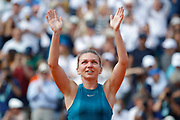 Simona HALEP (ROU) won the women tournament, celebration during the Roland Garros French Tennis Open 2018, Final Women, on June 9, 2018, at the Roland Garros Stadium in Paris, France - Photo Stephane Allaman / ProSportsImages / DPPI