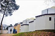 Nederland, Heilig Landstichting, 23-12-2014Museumpark Orientalis bij Nijmegen. Jaarlijks wordt rond kerstmis een grote tentoonstelling gehouden met kerststalletjes, kerststallen, uit alle windstreken uit de collectie Elizabeth Houtzager. Voorheen heette dit het Bijbels Openluchtmuseum, maar zes jaar geleden trok de katholieke kerk zich terug als geldschieter voor het museum omdat de toenmalige directie ook aandacht wilde besteden aan andere godsdiensten, met name de Islam. Hiervoor werd een arabisch dorp gebouwd met een moskee. Foto: Flip Franssen/Hollandse Hoogte