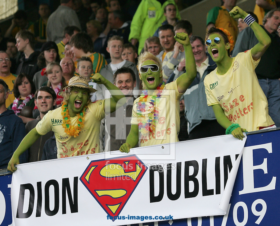 Sheffield - Sunday April 4th, 2008: Norwich City fans before the game against Sheffield Wednesday during the Coca Cola Championship match at Hillsborough, Sheffield. (Pic by Michael Sedgwick/Focus Images)..