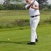 NLD/Zandvoort/20120521 - Donmasters 2012 golftoernooi, Toine van Peperstraten slaat golfbal af