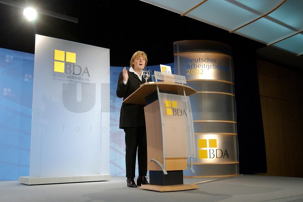 19 NOV 2002, BERLIN/GERMANY:<br /> Angela Merkel, CDU Bundesvorsitzende, waehrend ihrer Rede, Deutscher Arbeitgebertag der Bundesvereinigung der Deutschen Arbeitgeberverbaende, BDA, Hotel Maritim<br /> IMAGE: 20021119-02-062<br /> KEYWORDS: speech