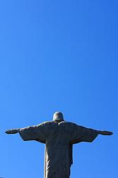 """Mais que um cartão-postal, o Cristo Redentor foi eleito pelos moradores da cidade como """"A Maravilha do Rio"""". Do alto de seus 38 metros - e dos 710 metros do Morro do Corcovado - o Cristo é a imagem da fé e da simpatia do povo carioca. O monumento em 2001 completou 70 anos, no dia de Nossa Senhora Aparecida. FOTO: Jefferson Bernardes/Preview.com"""