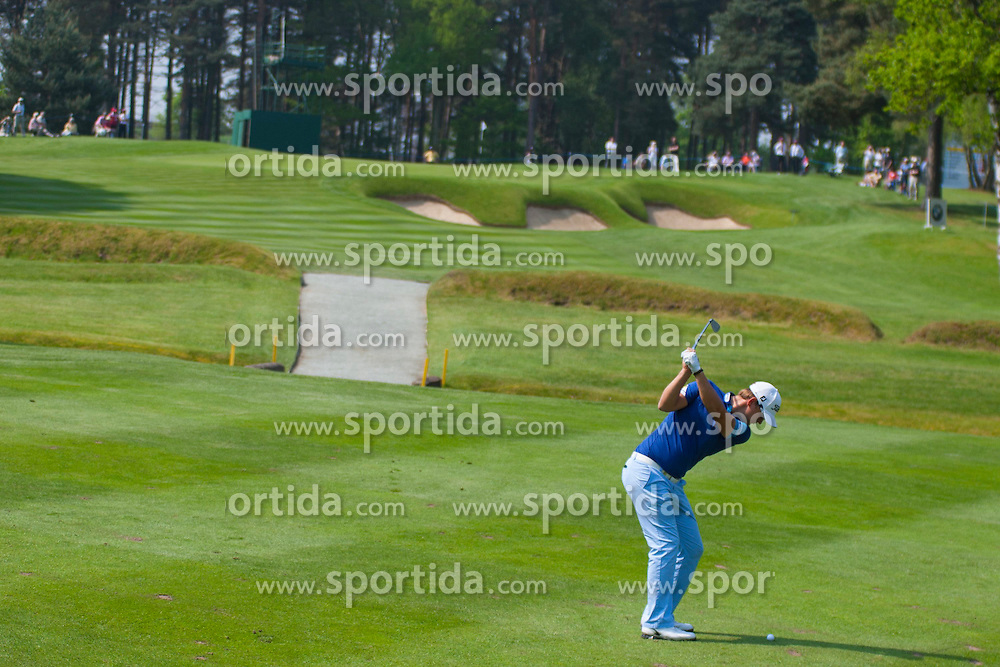 24.05.2012, Golf Course, Wentworth, GBR, PGA Championship, European Tour, im Bild Bernd WIESBERGER (AUT) plays a shot whilst competing in the first round of the European Tour BMW PGA Championship played at Wentworth Golf Course. EXPA Pictures © 2012, PhotoCredit: EXPA/ Mitchell Gunn