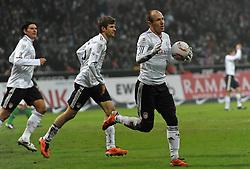 29-01-2011 VOETBAL: WERDER BREMEN - BAYERN MUNCHEN: BREMEN<br /> Arjen Robben (Muenchen #10) scores and celebrate this with Thomas Muller / Mueller (Muenchen #25) und Mario Gomez (Muenchen #33) <br /> ***NETHERLANDS ONLY***<br /> ©2010- FRH-nph / Frisch