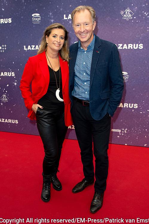 Premiere musical  David Bowie's Lazarus in DeLaMar, Amsterdam.<br /> <br /> Op de foto:  Sacha de Boer en partner Rick Nieman
