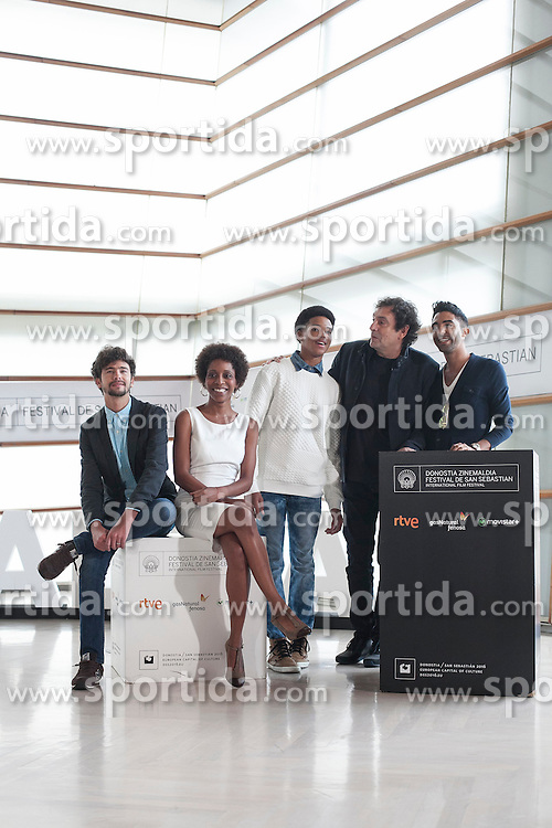 23.09.2015, Madrid, San Sebastian, ESP, San Sebastian International Film Festival, im Bild Movie director Agusti Villaronga and actors Jazz Vila, Maykol David Tortolo, Yordanka Ariosa and Hector Medina pose during `El rey de la Habana&acute; film presentation // during the San Sebastian International Film Festival in Madrid in San Sebastian, Spain on 2015/09/23. EXPA Pictures &copy; 2015, PhotoCredit: EXPA/ Alterphotos/ Victor Blanco<br /> <br /> *****ATTENTION - OUT of ESP, SUI*****