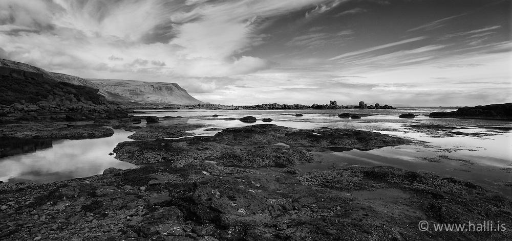 Coastline in Vatnsfjordur, Bardastrond, Iceland - Selir í Vatnsfirði á Barðaströnd