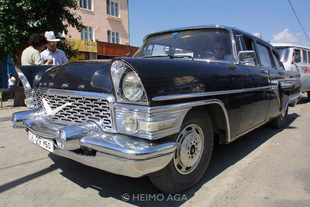 ULAN BATOR, MONGOLIA..08/21/2001.Vintage limousine..(Photo by Heimo Aga)