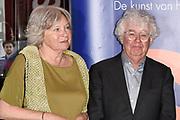 Uitreiking Prins Bernhard Cultuurfonds Prijs 2017 in Muziekgebouw aan 't IJ, Amsterdam.Het Cultuurfonds kent deze oeuvreprijs jaarlijks toe aan een persoon of instelling ( dit jaar Geert Mak ) met een grote staat van dienst op het gebied van cultuur, natuur of wetenschap in Nederland. <br /> <br /> Presentation of Prins Bernhard Cultuurfonds Award 2017 in Muziekgebouw aan 't IJ, Amsterdam. The Cultuurfonds awards this oeuvre prize annually to a person or institution (this year Geert Mak) with a great track record in the field of culture, nature or science in the Netherlands. <br /> <br /> Op de foto: geert mak en partner Mietsie Mak