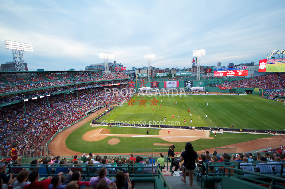 BOSTON, MA - Wednesday, July 25, 2012: Liverpool take on AS Roma during a pre-season friendly match at Fenway Park, home of the Boston Red Sox, the second match of the Reds' North American tour. (Pic by David Rawcliffe/Propaganda)