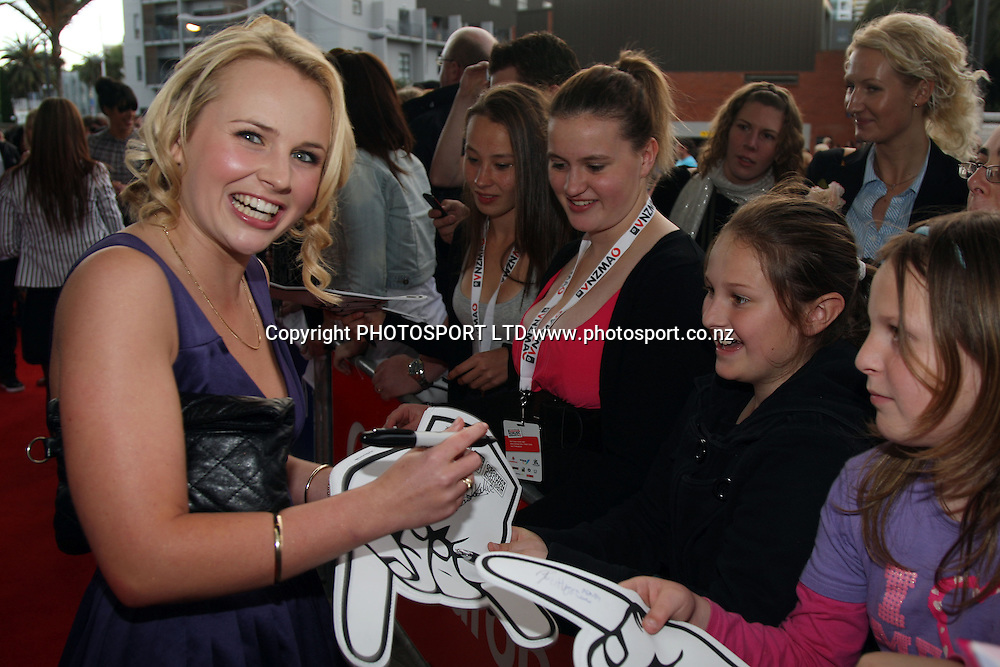 Shortland st actress Kimberly Crossman.<br />Vodafone New Zealand Music Awards. Vector Arena, Auckland City, New Zealand. 8 October 2009. Photo: PHOTOSPORT