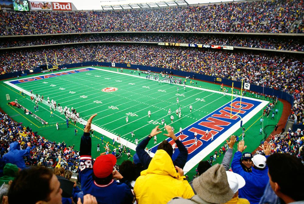 NJ, The Meadowlands, Giants Stadium, NY Giants football game.
