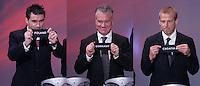 Fussball, Gruppenauslosung Euro 2008 in Luzern, 02.12.2007, Die deutsche Gruppe B; Theodoros Zagorakis (GRE li) zieht Polen, Didier Deschamps (FRA Mitte) zieht Frankreich und Juergen Klinsmann (rechts) zieht Kroatien