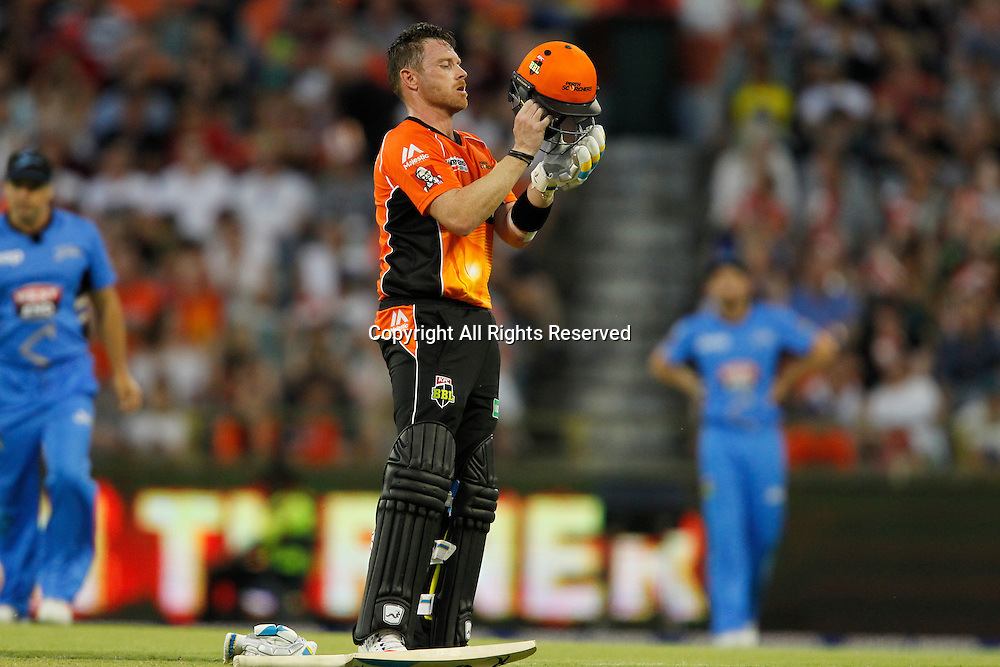23.12.2016. WACA Ground, Perth, Australia. BBL Cricket League. Perth Scorchers versus Adelaide Strikers. Ian Bell adjusts his helmet during a break in his innings.