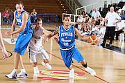 DESCRIZIONE : Trento Torneo Internazionale Maschile Trentino Cup Italia Nuova Zelanda  Italy New Zeland<br /> GIOCATORE : Daniel Hackett<br /> SQUADRA : Italia Italy<br /> EVENTO : Raduno Collegiale Nazionale Maschile <br /> GARA : Italia Nuova Zelanda Italy New Zeland<br /> DATA : 26/07/2009 <br /> CATEGORIA : palleggio<br /> SPORT : Pallacanestro <br /> AUTORE : Agenzia Ciamillo-Castoria/E.Castoria<br /> Galleria : Fip Nazionali 2009 <br /> Fotonotizia : Trento Torneo Internazionale Maschile Trentino Cup Italia Nuova Zelanda Italy New Zeland<br /> Predefinita :
