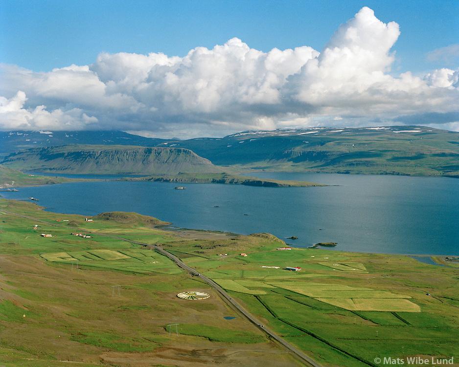 Hrafnabjörg, Hvalfjörður séð til austurs, Hvalfjarðarsveit áður Hvalfjarðarstrandarhreppur / Hrafnabjorg, Hvalfjordur viewing east, Hvalfjardarsveit former Hvalfjardarstrandarhreppur.