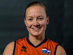 22-09-2017 NED: Portret zitvolleybalsters Oranje 2017-2018, Leersum<br /> Nederland bereidt zich voor op het komende EK zitvolleybal / Fleur van Dam #10
