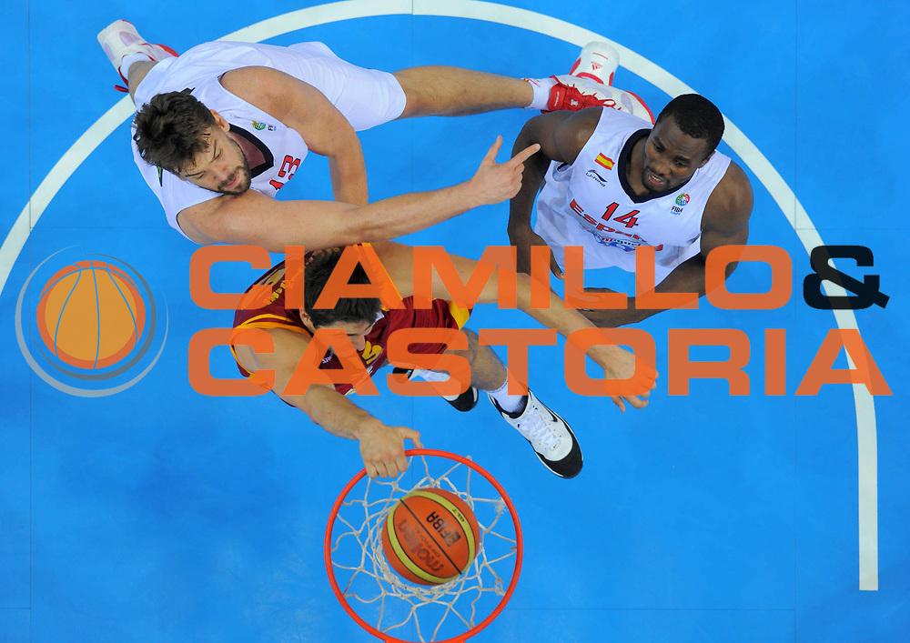 DESCRIZIONE : Kaunas Lithuania Lituania Eurobasket Men 2011 Semifinali Semi Final Round Spagna Macedonia Spain F.Y.R. of Macedonia<br /> GIOCATORE : Vojdan Stojanovski <br /> SQUADRA : Macedonia F.Y.R. of Macedonia<br /> EVENTO : Eurobasket Men 2011<br /> GARA : Spagna Macedonia Spain F.Y.R. of Macedonia<br /> DATA : 16/09/2011 <br /> CATEGORIA : schiacciata dunk special<br /> SPORT : Pallacanestro <br /> AUTORE : Agenzia Ciamillo-Castoria/T.Wiedensohler<br /> Galleria : Eurobasket Men 2011 <br /> Fotonotizia : Kaunas Lithuania Lituania Eurobasket Men 2011 Semifinali Semi Final Round Spagna Macedonia Spain F.Y.R. of Macedonia<br /> Predefinita :