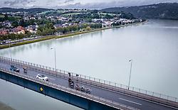 07.07.2019, Wels, AUT, Ö-Tour, Österreich Radrundfahrt, 1. Etappe, von Grieskirchen nach Freistadt (138,8 km), im Bild Spitzengruppe bei der Donaubrücke Aschach // during 1st stage from Grieskirchen to Freistadt (138,8 km) of the 2019 Tour of Austria. Wels, Austria on 2019/07/07. EXPA Pictures © 2019, PhotoCredit: EXPA/ JFK