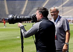 ANN ARBOR, USA - Friday, July 27, 2018: Former Liverpool player Robbie Fowler uses a photographer's camera during a training session ahead of the preseason International Champions Cup match between Manchester United FC and Liverpool FC at the Michigan Stadium. (Pic by David Rawcliffe/Propaganda)