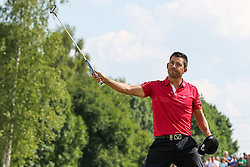 28.06.2015, Golfclub M&uuml;nchen Eichenried, Muenchen, GER, BMW International Golf Open, Tag 4, im Bild Jubel von Pablo Larrazabal (ESP) auf dem 18 ten Green // during te finals of BMW International Golf Open at the Golfclub M&uuml;nchen Eichenried in Muenchen, Germany on 2015/06/28. EXPA Pictures &copy; 2015, PhotoCredit: EXPA/ Eibner-Pressefoto/ Kolbert<br /> <br /> *****ATTENTION - OUT of GER*****