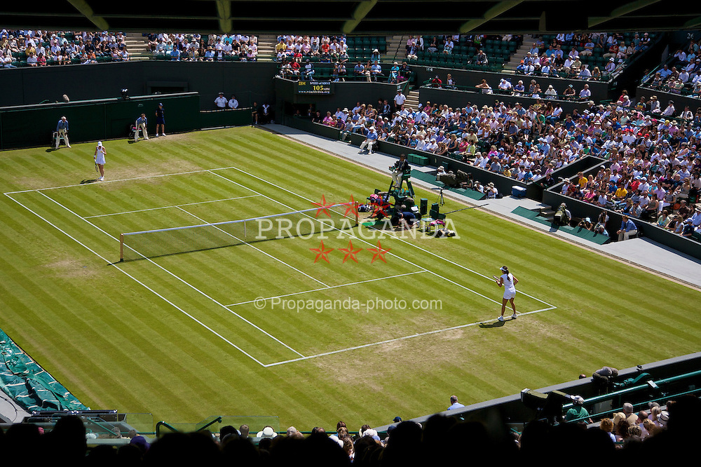 LONDON, ENGLAND - Wednesday, June 25, 2008: Ana Ivanovic (SRB) takes on Nathalie Dechy (FRA) during the second round match on day three of the Wimbledon Lawn Tennis Championships at the All England Lawn Tennis and Croquet Club. (Photo by David Rawcliffe/Propaganda)