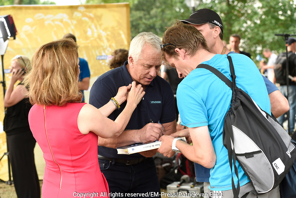 Tour de France winnaars  aanwezig bij de presentatie van de Tour in Utrecht<br /> <br /> Tour de France winners attended the presentation of the Tour in Utrecht<br /> <br /> Op de foto / On the photo:  Greg LeMond