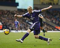 Photo: Steve Bond/Richard Lane Photography. West Bromwich Albion v Newcastle United. Barclays Premiership. 07/02/2009. Damien Duff shoots during the second half