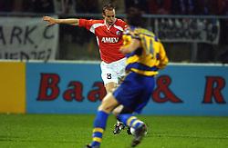 18-10-2001 VOETBAL: UEFA CUP FC UTRECHT - PARMA: UTRECHT<br /> Utrecht verliest met 3-1 van Parma / Tom de Mol<br /> ©2001-WWW.FOTOHOOGENDOORN.NL