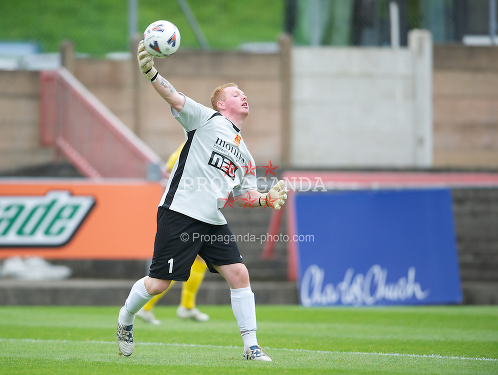 LLANELLI, WALES - Saturday, September 15, 2012: Newtown's goalkeeper David Roberts in action against Llanelli during the Welsh Premier League match at Stebonheath Park. (Pic by David Rawcliffe/Propaganda)