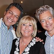 NLD/Amsterdam/20120617 - Premiere Het Geheugen van Water, Frank Sanders en partner Steven Moonen samen met Willeke Alberti