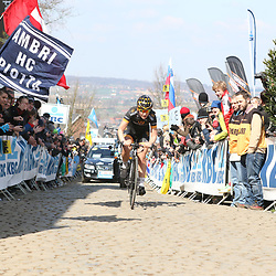 05-04-2015: Wielrennen: Ronde van Vlaanderen vrouwen: BelgieOUDENAARDE (BEL) cyclingThe 3th race in the UCI womens World Cup is the 12th edition of the Ronde van Vlaanderen. The race distance is 145 km with 12 Climbs and 5 zones of Cobbles.