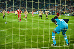MARSEILLE, FRANCE - Tuesday, September 16, 2008: Liverpool's captain Steven Gerrard MBE steps up to take a penalty kick against Olympique de Marseille's goalkeeper Steve Mendanda during the opening UEFA Champions League Group D match at the Stade Velodrome. (Photo by David Rawcliffe/Propaganda)
