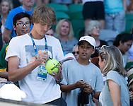 ALEXANDER ZVEREV (GER)  schreibt Autogramm in der Speielerloge,Mutter Irina schaut zu.<br /> <br /> Australian Open 2017 -  Melbourne  Park - Melbourne - Victoria - Australia  - 22/01/2017.
