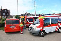 Mannheim. 29.07.17   &Uuml;bung um M&uuml;hlauhafen<br /> M&uuml;hlauhafen. Rettungs&uuml;bung von Feuerwehr DLRG und ASB. Das Szenario: Ein Fahrgastschiff brennt und die Passagiere m&uuml;ssen gerettet werden. <br /> Auf der MS Oberrhein wird ge&uuml;bt. Dazu ankert das Schiff in der Fahrrinne des M&uuml;hlauhafens. Das Feuerl&ouml;schboot Metropolregion 1 kommt dazu.<br /> <br /> BILD- ID 0916  <br /> Bild: Markus Prosswitz 29JUL17 / masterpress (Bild ist honorarpflichtig - No Model Release!)