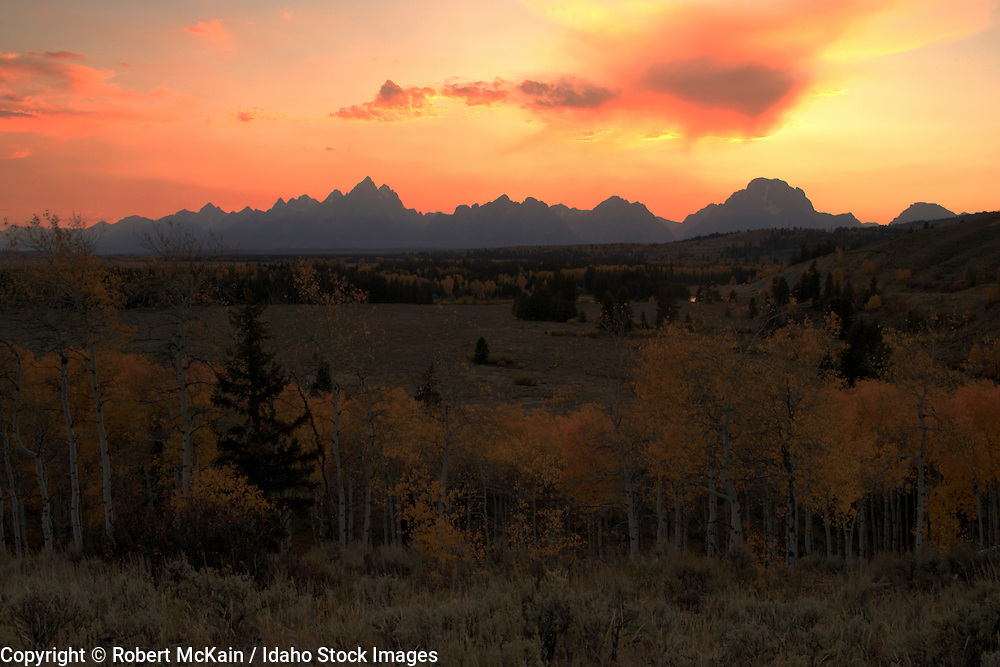 WYOMING. Teton National Park. Sunset over Teton mountain range in autumn. October 2008 #lu080001