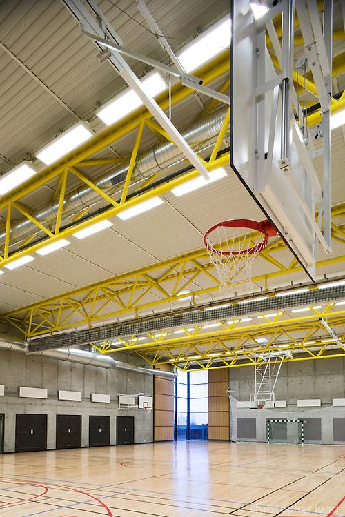 The Sports Academy in Reykjanesbær, Iceland. Íþróttaakademían í Reykjanesbæ, innanhúss.