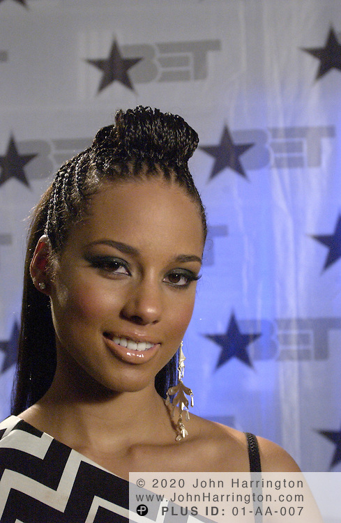 Alicia Keys at BET's 9th annual Walk of Fame honoring Aretha Franklin on Saturday October 18, 2003.